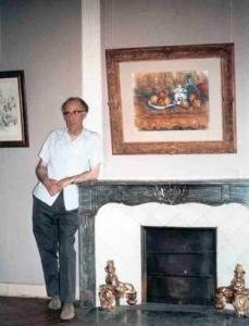 Leo Marchutz, dans l'exposition Cézanne de 1956 à Aix (cliché Marchutz)