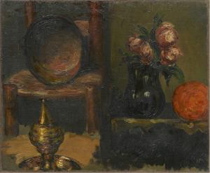 R019 Objets en cuivre et vase de fleurs 60-62