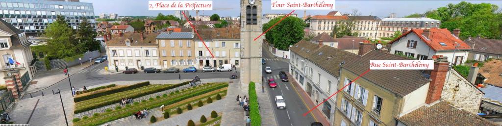 Fig. 10. La Place de la Préfecture