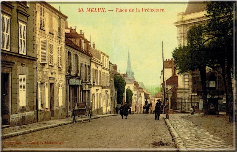 Fig. 47. Le clocher de l'église Saint-Aspais vu de la Place de la Préfecture