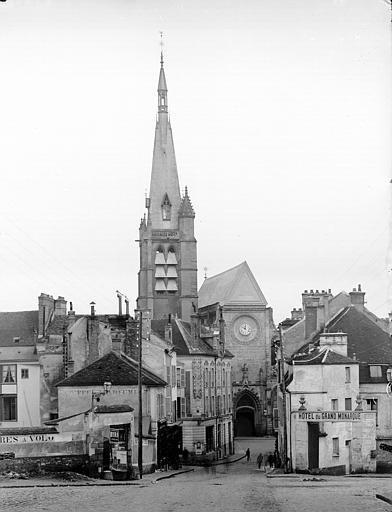 Fig. 48. Place de la Porte de Paris vers 1900