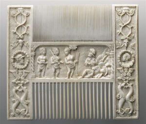 Fig. 11.1500-1530, France nord Peigne en ivoire 15,2x17,7 Musée du Louvre